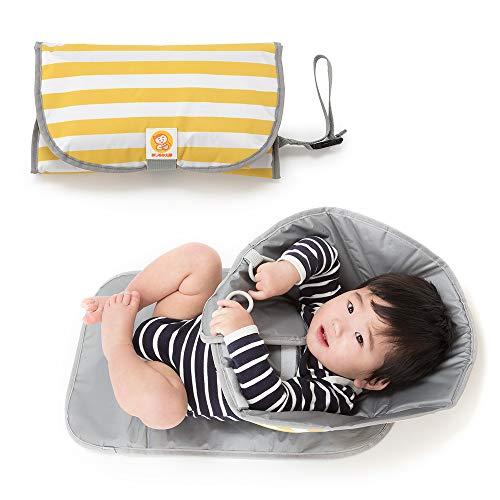 おしめかえ隊 3in1 おしめ替え おむつ替え おむつ 赤ちゃんの動きも気にならないクッションマット 簡単折...