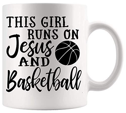 Taza Mug Taza de jugador de baloncesto Esta chica corre con Jesús y camiseta de baloncesto Christian God Sport White Cups Tazas 330Ml