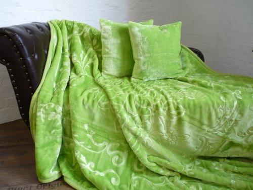 Natur-Fell-Shop 3tlg. Set Kuscheldecke Tagesdecke Decke hell grün 160x200cm+ 2 Kissen 40x40cm