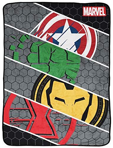 Marvel Avengers Intro Überwurfdecke – Maße: 116,8 x 152,4 cm, Kinder-Bettwäsche mit Captain America, Iron Man und Hulk – farbecht, superweiches Fleece (offizielles Marvel-Produkt)