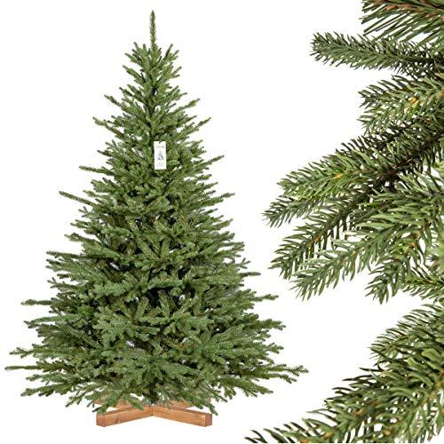FairyTrees Weihnachtsbaum künstlich BAYERISCHE Tanne Premium, Material Mix aus Spritzguss & PVC, inkl. Holzständer, 180cm, FT23-180