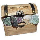 Schatzkiste gefüllt mit verschiedenen Natur Mineralien ideal für jeden Schatzsucher ob klein oder groß