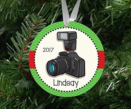 DKISEE Persoonlijke Fotograaf Camera Ornament Keepsake - Op maat gemaakt om te bestellen - 2019 Unieke Nieuwigheid Boom Decoratie 3.1 inch