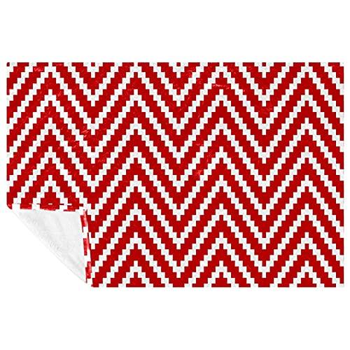 EZIOLY Manta de punto de triángulo rojo y blanco con diseño de rayas, manta de felpa súper mullida, suave y cálida para cama, sofá, al aire libre, viajes, picnic, camping (59 x 39 pulgadas)
