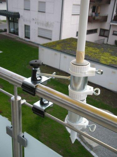 BALKONHALTERUNG pour parasol de ø 25,5 bâtons à 50 mm - 2 pièces-grande taille-support pour 25–47 mm-distance support de parasol pour balcon pour fixation à l'extérieur ou à l'intérieur 11 cm de distance pour parapluie-holly fixation breveté rond ou carré-éléments : env. 2 55 à 60 m avec 5 positions réglables au rayon mULTI-support rotatif à 360° gUMMISCHUTZKAPPEN kratzfreien pour fixation avec support pivotant à 360° avec distance prises pour piquets de parasol jusqu'ø 25,5 à 55 mm avec douille profonde d 11 cm 13 cm-distance long bec pivotant-axe filetage-innovation fabriqué en allemagne-holly ® produits sTABIELO-holly-sunshade sCHIRMEN-chez ® sur 2,5 cm de diamètre - 2 supports de fixation ou 2–te utiliser pour des raisons de sécurité (kabelbinder)