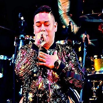 Ojitos Negros (Live)