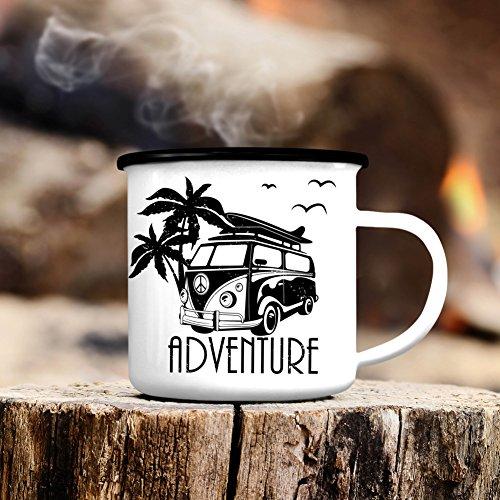 """Wandtattoo-Loft Campingbecher """"Adventure"""" Bus Surfbus mit Palmen/Emaille Tasse/Becher mit Motiv/schwarzer Tassenrand"""