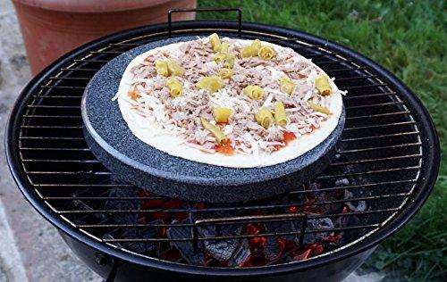 Universal Pizzastein rund 28cm Durchmesser - Natürlicher Backstein aus poliertem Granit, dadurch leicht zu reinigen