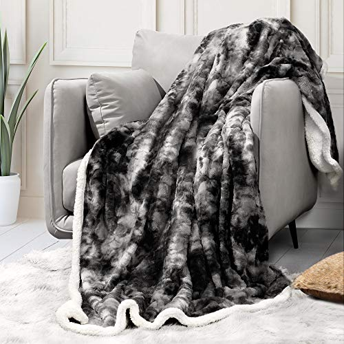 "Sagino Soft Fuzzy Faux Fur Throw Blanket 50""x60"", Solid Reversible Sherpa Blanket - Lightweight Fluffy Cozy Plush Fleece Comfy Microfiber Blanket for Couch Sofa Bed, Gray"
