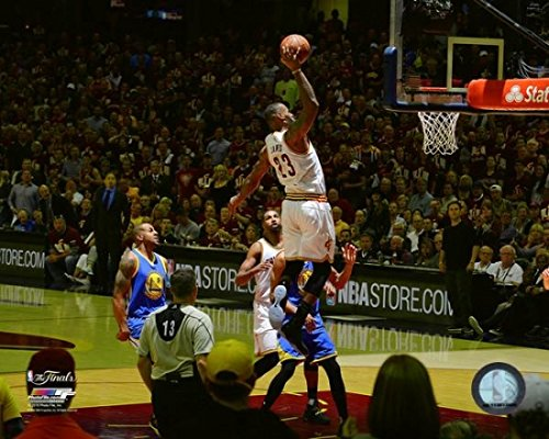 LeBron James Game 3 of the 2016 NBA Finals Stampa Fotografica (27,94 x 35,56 cm)