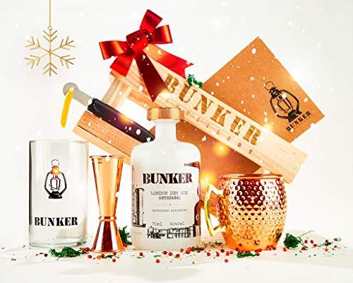 Pack regalos originales, Ginebra Premium Artesanal Bunker, complementos de coctelería: taza de cobre moscow mule, jigger, vaso de cristal, acanalador de cítricos y todo ello en caja de madera
