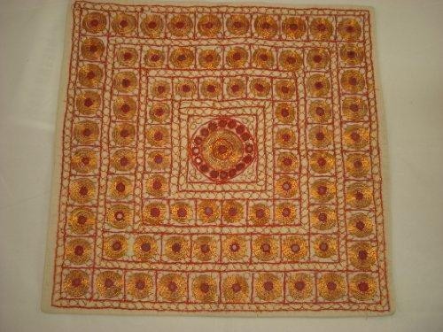 Goethnic Housse pour coussins en coton faite à la main avec broderies dorées et effet miroir Motifs mosaïques métalliques/couleur crème