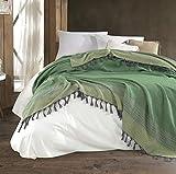 Belle Living Artemis Tagesdecke Überwurf Decke - Wohndecke hochwertig - perfekt für Bett & Sofa, 100prozent Baumwolle - handgefertigte Fransen, 200x250cm (Schwarz) (Grün)