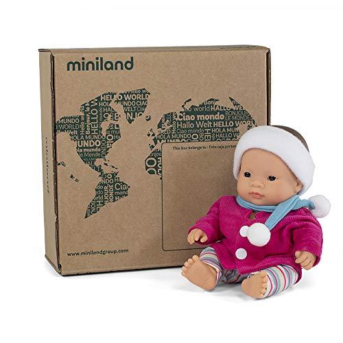 Puppe + Zubehör Geschenkset: Babypuppe mit asiatischen Gesichtszügen + Winter-Set mit Leggins, Jacke, Schal und passendem Stirnband (31202)