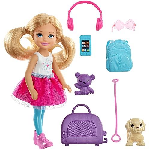Barbie FWV20 - Reise Chelsea Puppe mit Hündchen und Zubehör aus Barbie Dreamhouse Adventures, Puppen Spielzeug ab 3 Jahren