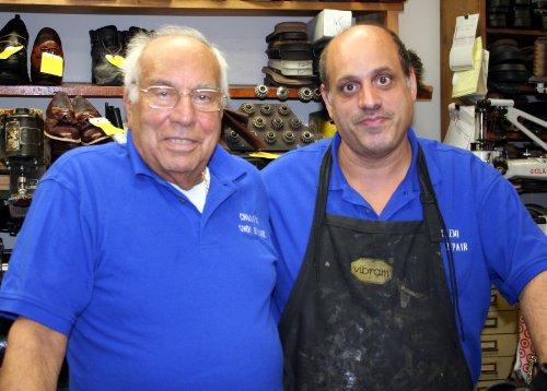 Shoe & Boot Repair Service Start Up Sample Business Plan! (English Edition)