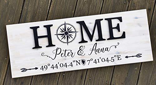 Hausschild personalisiert aus Holz Shappy Chic 80 x 30 cm Home | Türschild mit Lasercut Buchstaben | Holzschild für Familien mit Koordinaten