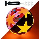 NIGHTMATCH Balón de Fútbol Ilumina Incl. Bomba de balón - LED Interior se Enciende Cuando se patea - Edición Estrellas Rosas - Brilla en la Oscuridad - Tamaño 5 - Tamaño y Peso Oficial