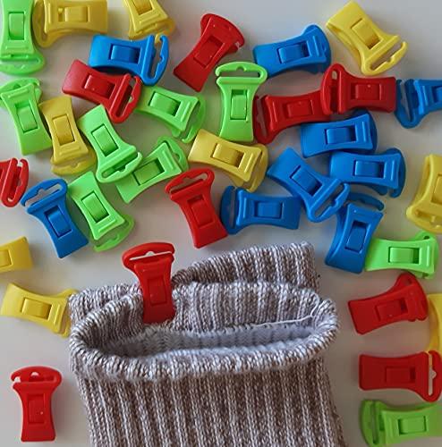 Alcrea 32 Sockenklammern für Waschmaschine und Trockner. Sockenclips sehr bequem und schnell: Aufhängen, sortieren und in die Schubladen legen. HAKEN für Wäscheleine. Robust, aus Kunststoff. 4 Farben