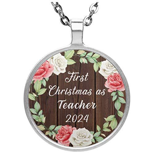 First Christmas As Teacher 2024 - Circle Necklace A Collar, Colgante, Bañado en Plata - Regalo para Cumpleaños, Aniversario, Día de Navidad o Día de Acción de Gracias
