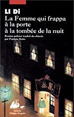 Couverture de Femme qui frappa a la porte a la tombee de la nuit (la)