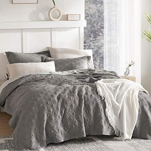 Bedsure Gray Bedspreads King Size - King Quilt Bedding Set, 120GSM Embossed Cationic Dyeing Coverlet, 3 Pieces (106x96 inches)