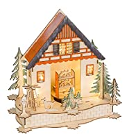 Casetta di Natale in legno con 6 LED in colore bianco caldo, necessita di 3 batterie AAA (non incluse), circa 27 x 29 x 13 cm. Il carillon integrato riproduce in totale 9 canzoni natalizie dietro l'altra, tra cui Jingle Bells, We wish you a merry Chr...