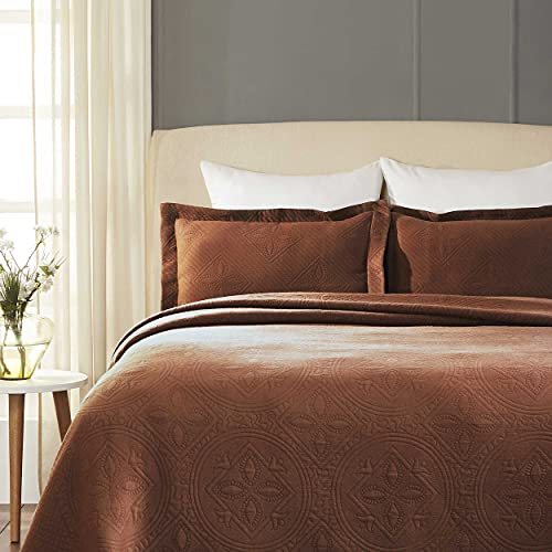 SUPERIOR Celtic Circles Bedspread with Matching Pillow Shams, Twin, Cappuccino, 2-Pieces