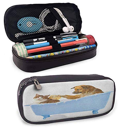 Cat Pencil Bag Hund und Kitty in der Badewanne zusammen mit Bubbles Shampooing mit Dusche Fun Artsy Print für Studenten und Künstler