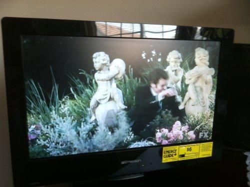 Best Price! Emerson 19 LCD 720p 60Hz HDTV/DVD | LD190EM2
