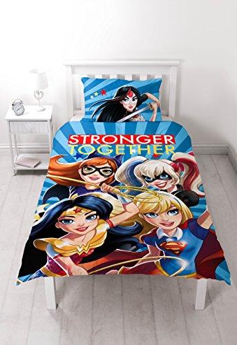 Tamaño: 200 x 135cm. Se puede lavar a máquina. Se puede combinar con otros productos disponibles dormitorios. Accesorios a juego para la cama y el dormitorio también disponibles. Producto con licencia oficial de DC Comics.