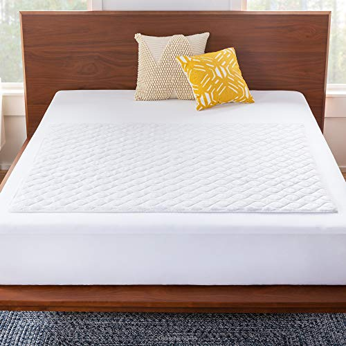 """Linenspa 44"""" x 52"""" Skid Resistant Waterproof Sheet and Mattress Protector Pad - Super Comfortable Quilted Finish - Highly Absorbent for Bed Wetting Incontinence and Pets - Machine Washable"""