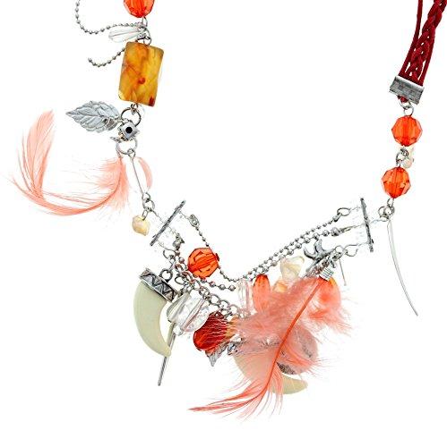 Lange rode charm halsketting voor vrouwen met stenen en veren - bijzondere ketting met verschillende hangers