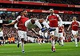 Pierre-Emerick Aubameyang Zur Feier mit Arsenal Team Mates