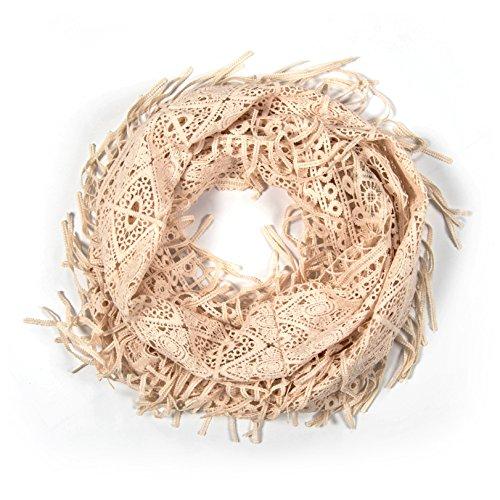 MANUMAR Spitzen Loop für Damen | eleganter Spitzen Schal in creme weiß | Hochzeit | Kleid | Frühlings/Herbst Accessoire | Spitzenmuster | Geschenkidee für Frauen und Mädchen