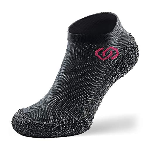 Skinners | Unisex Minimalistische Barfußschuhe für Damen & Herren | Minimalist Barefoot Socks/Shoes for Men & Women | Speckled Schwarz rotes Logo, L