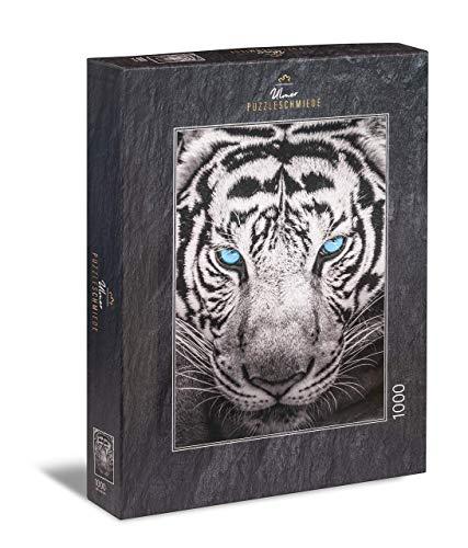 """Ulmer Puzzleschmiede - Puzzle """"Der Jäger""""– Klassisches 1000 Teile Puzzle – Puzzlemotiv eines majestätischen Tiger in Nahaufnahme"""