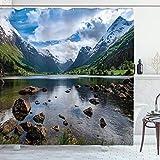 ABAKUHAUS Natur Duschvorhang, River Open Sky Norwegen, Hochwertig mit 12 Haken Set Leicht zu pflegen Farbfest Wasser Bakterie Resistent, 175 x 180 cm, Weiß grün-braun