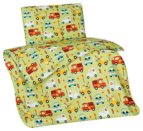 Aminata Kids Kinderbettwäsche Autos 100x135 cm + 40 x 60 cm, Jungen, Feuerwehr-Auto, Baumwolle mit Reißverschluss, Kinder-Bettwäsche-Set, kuschelig, bunt, grün & Abschlepp-Wagen, Auto-Motiv Polizei