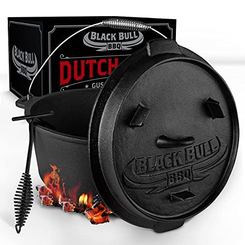 Black Bull BBQ Dutch Oven Set [9L] – Eingebrannter Feuertopf aus Gusseisen mit Füßen & Deckel – mit Spiralgriff für optimalen Halt – inkl. Deckelheber