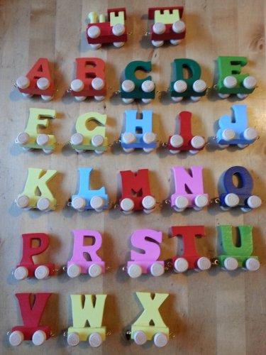 *6 lettres de l'alphabet en bois coloré