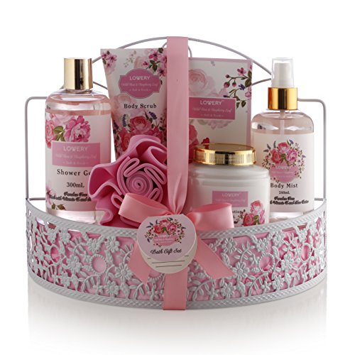 Father Day Spa Gift Basket - Wild Rose & Raspberry Leaf Scent - Luxury 7 Piece Bath & Body Set For Men/Women, Contains Shower Gel, Lotion, Body Scrub, Bath Salt, Body Mist, Bath Puff & Shower Caddy