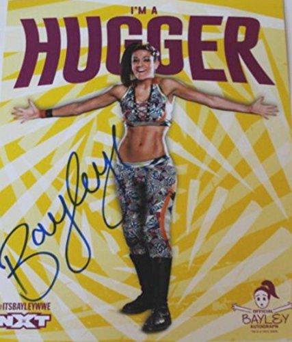 WWE NXT BAYLEY SIGNÉÀ LA MAIN PHOTO OFFICIEL 27.9cmx35.6cm
