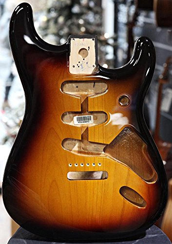 Fender™ Classic Series 60's Stratocaster® SSS Alder (Erle) Body, Vintage Bridge Mount, 3-Color Sunburst