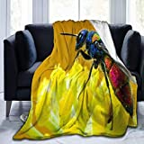 N / A Colorful Animals Flies on Flower Fleece Bed Blanket Manta Liviana súper Suave para niños niñas Adultos 60 x 50 Pulgadas / 152 x 127 cm