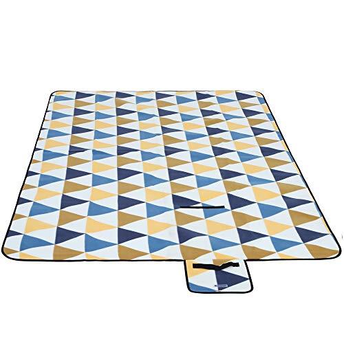 SONGMICS Picknickdecke, 200 x 200 cm, Stranddecke, für Outdoor, Camping, Park, Garten, wasserfeste Unterseite, faltbar, gelbe und Blaue Dreiecke GCM76S