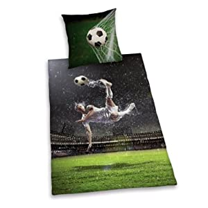 Herding 445946050 Bettwäsche Young Collection Fußball, Kopfkissenbezug 80 x 80 cm und Bettbezug 135 x 200 cm, 100 % Baumwolle, Renforce