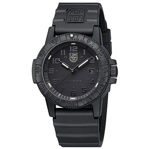 Luminox Herren Datum klassisch Quarz Uhr mit PU Armband XS.0321.BO