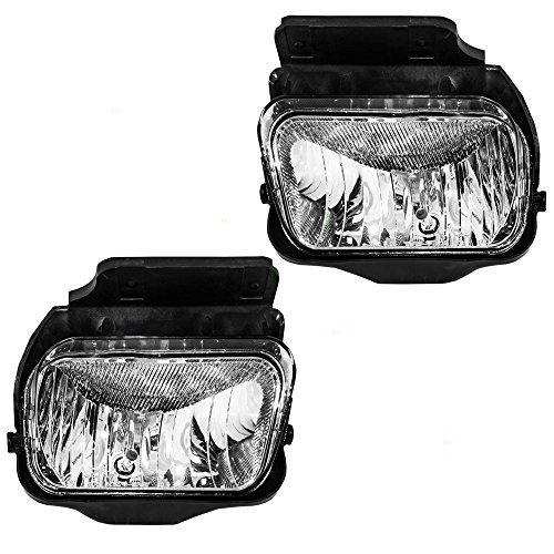 Aftermarket Replacement Driver and Passenger Set Fog Lights Compatible with 2004-2006 Silverado Avalanche Pickup Truck 15791433 15791434