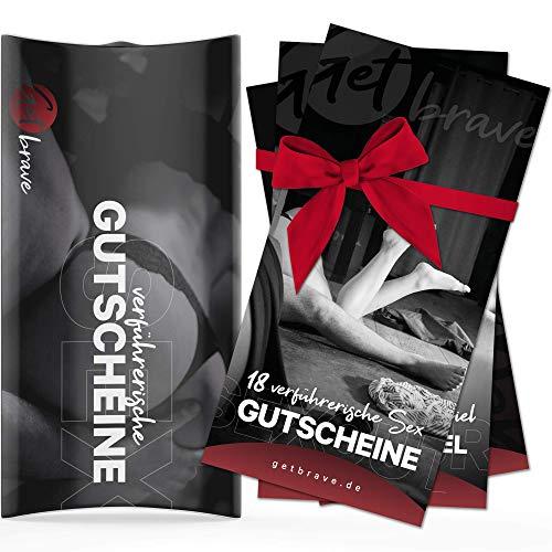 18 Sex Gutscheine in Geschenkbox von getbrave® + Türanhänger | verführerische Liebesgutscheine | Das aufregende Geschenk für Paare Jahrestag für Ihn Freund Männer Mann